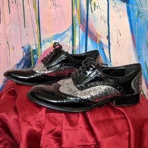 Sparkling oxfords for ladies feet